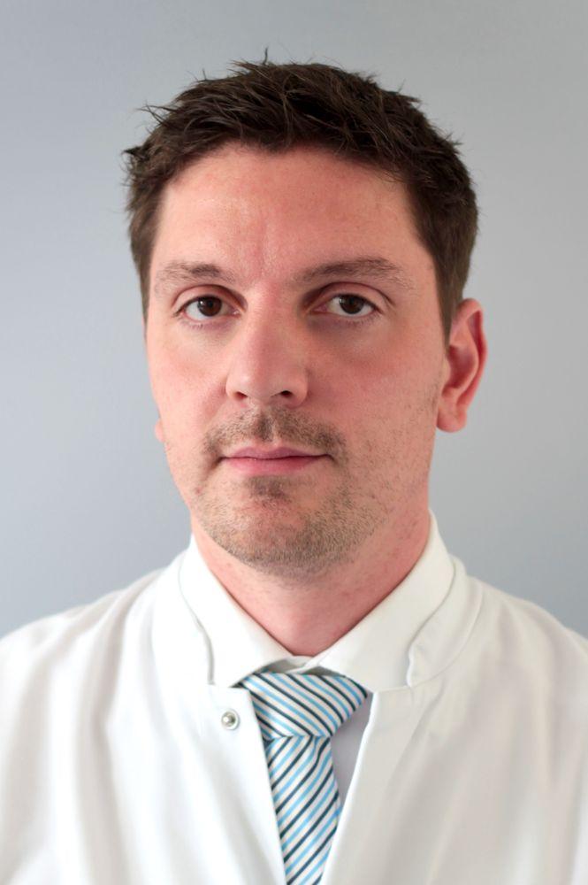 Dr. med. Arnd Hoburg