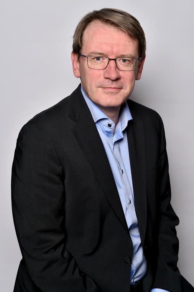 Prof. Dr. med. Romain Seil